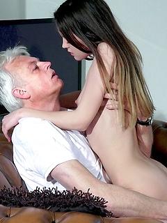 Teen Girls Porn Pics